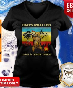 Music Bear Thats What I Do I GrillI Know Things Vintage V-neck