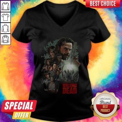 Top The Walking Dead Signatures V-neck