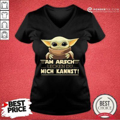 Funny Baby Yoda Am Arsch Lecken Du Mich Kannst V-neck - Desisn By Pondertee.com