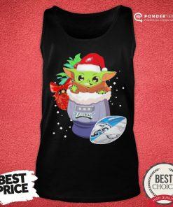 Hot Philadelphia Eagles Christmas Baby Yoda Star Wars Funny Happy NFL Tank Top - Desisn By Pondertee.com