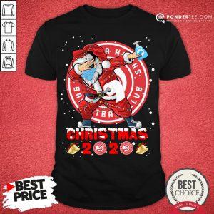 Nice Atlanta Hawks Funny Santa Claus Dabbing Christmas 2020 Shirt - Desisn By Pondertee.com