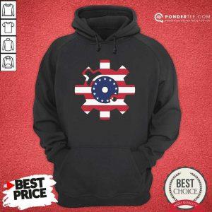 Betsy Ross Flag Bolt Face American Flag Hoodie - Desisn By Pondertee.com