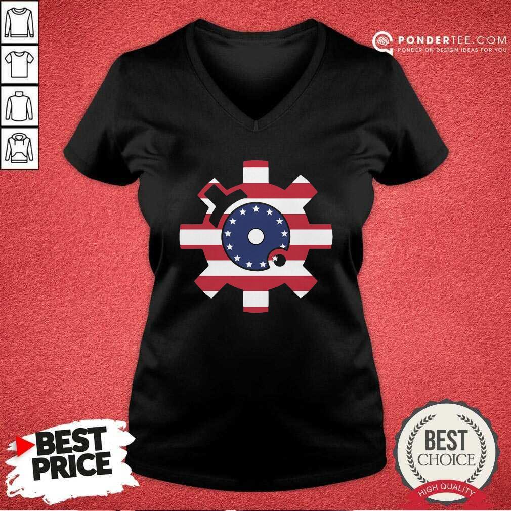 Betsy Ross Flag Bolt Face American Flag V-neck - Desisn By Pondertee.com