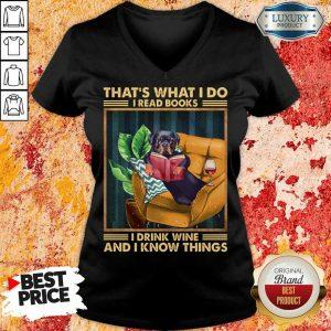 Top Rottweiler Dog I Read Books I Drink Wine V-neck